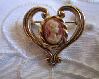 Vintage Gold Tone Heart-Shaped Cameo Brooch