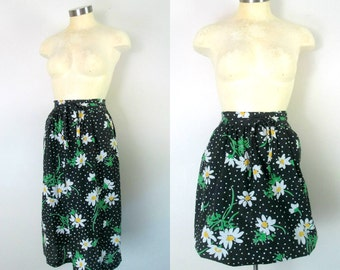 1970s Cotton Daisy Skirt Wrap Style Black White Yellow XS Small
