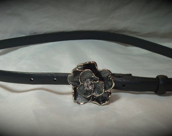 1992 New York and Company Gray Skinny belt with Silver Tone Flower Enameled Buckle.