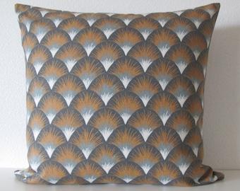 Setu Shapes Amber geometric gray gold decorative pillow cover