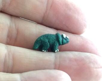 1pcs Green Triceratops Charm -  Tiny Dinosaur Bead - Small Triceratop Pendant - Triceratops Bead - BIY Girls Boys Jewelry Supplies H04