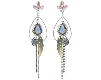 Long earrings - Bohemian earrings - pastel earrings - dangle earrings with vintage givré glass stones and vintage Sabrina glass cabochons