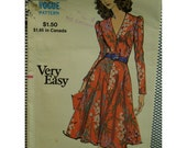 """1970s Fit and Flare Dress Pattern, V Neck, Long Fitted Sleeves, Vogue No. 8217 UNCUT Size 12 (Bust 34"""" 87cm)"""