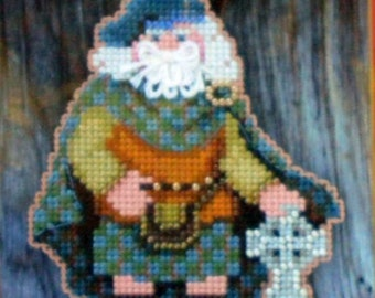 Scotland - Celtic Santas  -  Mill Hill Bead Kit MH20-5301