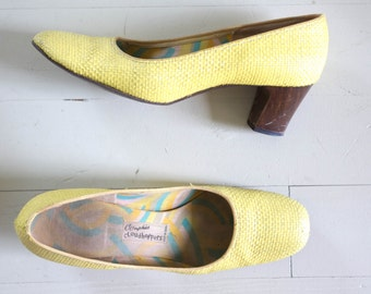 1960s Oomphies Cloudhoppers bright yellow pumps / vintage 60s straw heels 6