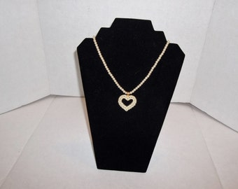 Acrylic White Pearl Heart Necklace