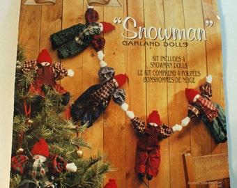 Snowman Garland Kit  Daisy Kingdom sealed 4 Snowman Garland Dolls