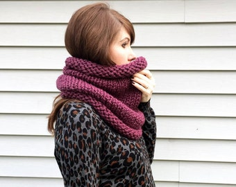 Chunky Knit Neckwarmer / Hand Knit Cowl / Snood