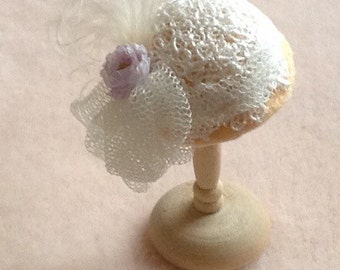 Handmade 1/12th scale dollshouse miniature gold felt and lace hat