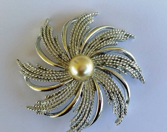 Silver Star Pin Pearl Brooch Sarah Coventry Costume Jewerly Vintage Collection