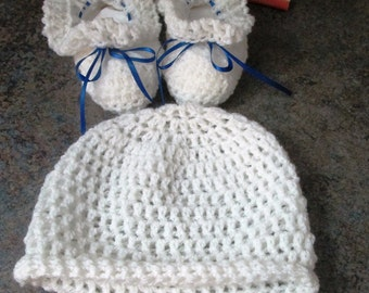 Hand Crocheted Baby Booties and Hat (Newborn-3 months)