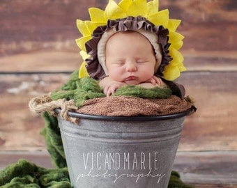 Newborn baby sunflower bonnet photo  props   crochet Newborn photo props photography  girl boy