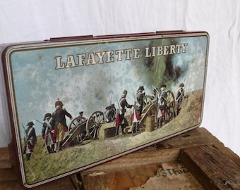 Lafayette Liberty Vintage Tin, French History, Old Battle Scene, Old soldiers, historical battlefield, French Antique gift, Antique guns