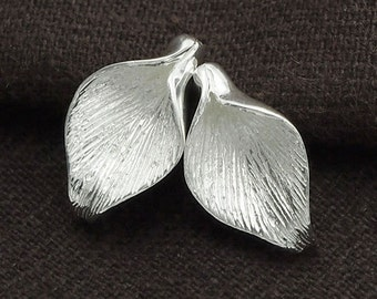 2  of 925 Sterling Silver Calla Lilly Bead Caps 10.5x18mm.  :tm0094