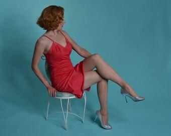 Vintage Lingerie Pink Munsingwear Slip - Size 36 Full Slip - 1960s Wedding Boudoir Fashions