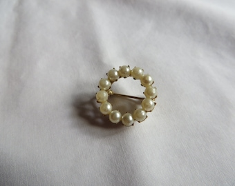 """3/4"""" Vintage Round Pearl Pin, Vintage, Pearl, Pin, Faux Pearl"""