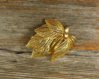 Filigree Leaf Brooch Gold Tone Fall Leaf Sweater Dress Jacket Brooch Autumn Jewelry