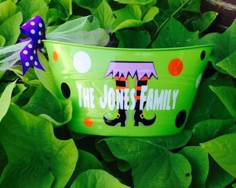 Personalized Halloween Bucket/Hostess Gift/Candy Holder/Trick or Treat