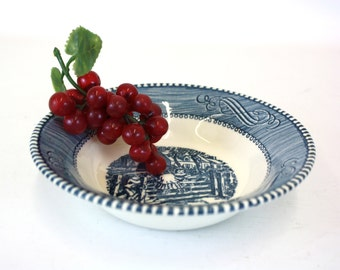 Vintage Blue Currier and Ives 'The Old Farm Gate' Berry Bowl (E5811)
