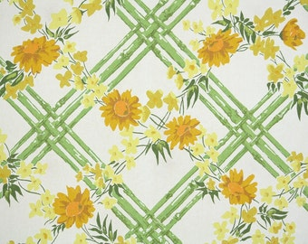Retro Wallpaper by the Yard 70s Vintage Wallpaper - 1970s Green Bamboo with Yellow and Gold Daisies