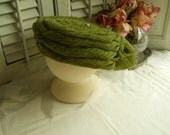 Vintage Moss Green Coiled Hat With Bow and Vintage Hat Pin Retro Women's Hat Women's Accessories Vintage Green Hat