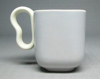 Franciscan Metropollitan demitasse cup , set of FIVE (5) , gray exterior white interior ( not Tiempo )