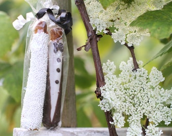 Bride And Groom Pretzels - Chocolate Covered Pretzel Rods make great Edible Wedding Favors
