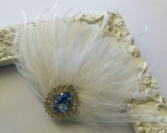 Bridal Hairpiece, Bridal Fascinator, White Feather Fascinator, Head Piece, Wedding Hair Accessories, Wedding Hair Piece. Prom Fascinator