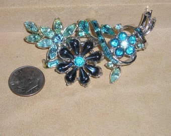 Vintage Rhodium Plated Brooch With Baby Blue Rhinestones & Montana Blue Glass Tear Drops 1940's Jewelry 1011