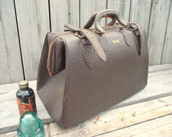 Doctors Bag - Brown Leather - Valise - Antique Weekender Handbag Purse - Steampunk