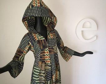 HOODED Vintage 70s Hippie Maxi Dress 1970s Boho Bell Sleeve Hoodie Caftan Kaftan Tribal Ikat Southwest Patchwork Print on Woven Cotton Small