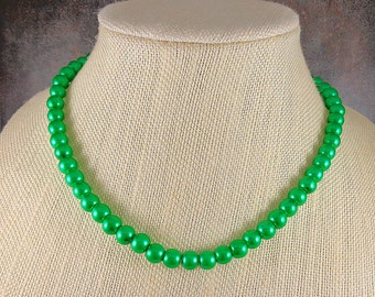 Pearl Necklace, Green, Glass Pearl Necklace, Round Pearl Necklace, Emerald, Pearl Strand Necklace, Green Bead Necklace, Beaded Necklace