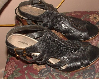sz 9&1/2 coolest 90s all LEATHER- black -high pump heel by ANTONIO MELANI-highend shoes  still gorgeous