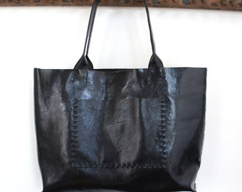Belleville Tote - Available in two sizes - Italian Leather - Black