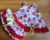 Beautiful Parley Ray Little LadyBug Pinafore with Ruffled Baby Bloomers and matching Bracelet / Diaper Cover / Photo Prop