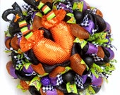 Deco Mesh Wreath, Halloween Wreath, Witch Butt Wreath, Raz Decor Wreath, Witch Decor, Halloween Decor, Witch with Legs