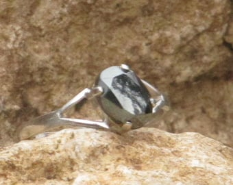 Sterling silver hematite ladies / womens ring