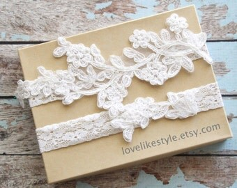 Ivory Pearl Beaded Lace Wedding Garter Set ,Ivory Lace Garter Set, Toss Garter , Keepsake Garter, / GT-46IV