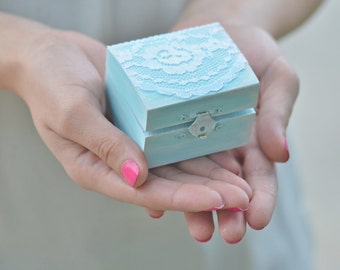 Vintage chic  I DO ring bearer box - something blue