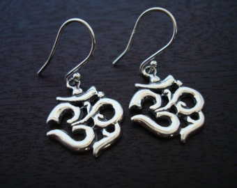 Sterling Silver Om Earrings // Jewelry, Women's Jewelry, Yoga Jewelry, Om Earrings, Ohm, Aum