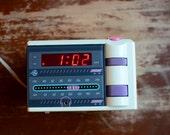 Vintage 1980's General Electric P'jammer AM/FM Alarm Clock Radio -- FREE shipping!