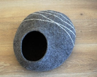READY TO SHIP - M size wool cat cave - Dark grey felt cat bed - Handmade cat house - marble of natural wool - Gift for cat lover