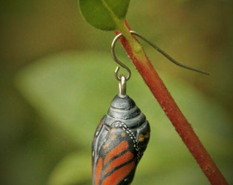 Monarch Chrysalis Pendant (Nearly Hatched)