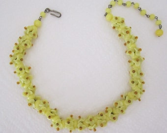 Yellow glass flower necklace. floral jewelry. yellow necklace. vintage jewelry