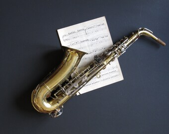 Vintage saxophone, Lyons Monarch saxophone, musical instrument decor, vintage display