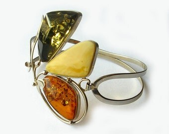 Natural Baltic amber bracelet.