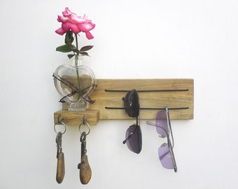 key and sunglasses holder with glass heart vase