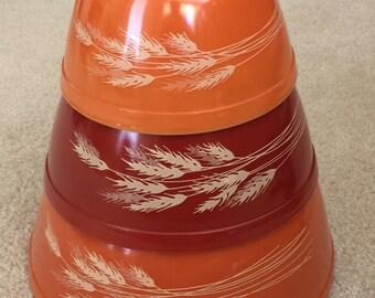 Vintage Pyrex Set of Americana Autumn Bowls