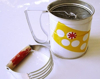 Vintage Androck Flour Sifter and A&J Dough Blender USA, pie dough cutter, farmhouse kitchenware, chef utensils, cottage chic baking utensils