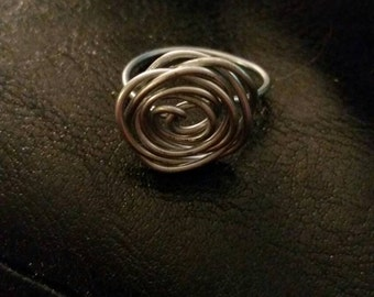 Roses Are Rings silver colored wire ring